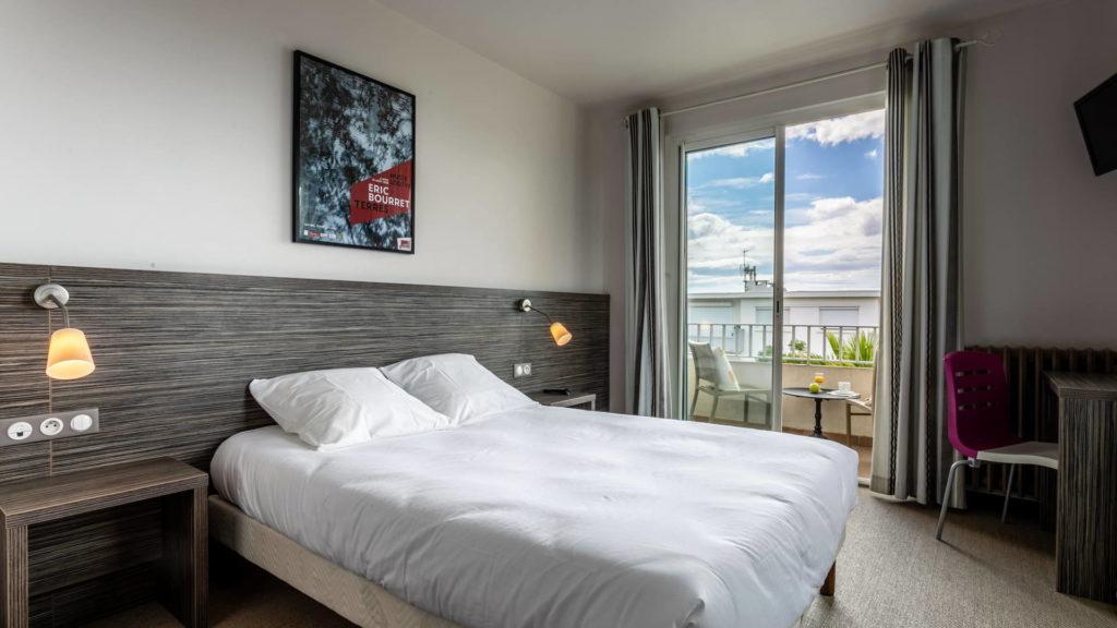 chambre double avec bureau et terrasse - hôtel Palavas
